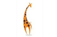 Giraffe: Kijkt van boven, maar staat met vier benen op de grond